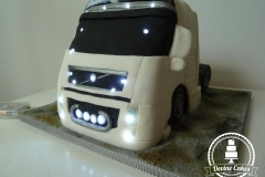 lorry cake with lights 2